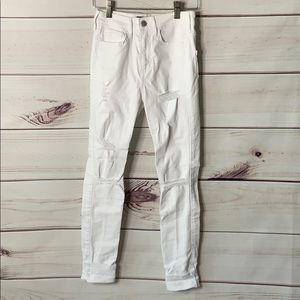 Hollister • white jeans